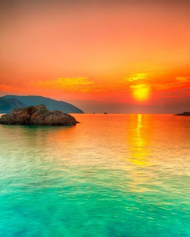 bright colors ocean